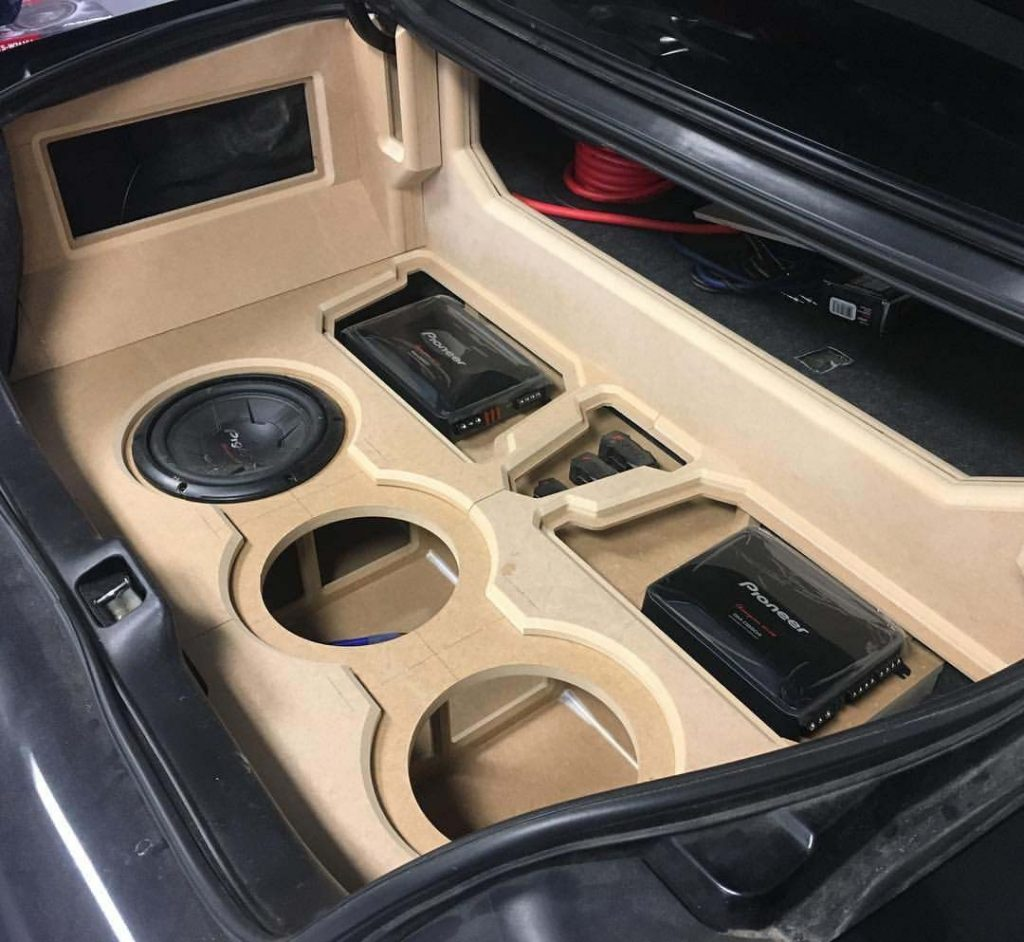 enceinte voiture amplifié